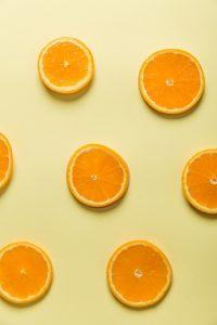 תפוזים - מפירות הההדר הבולטים ביותר, וגאווה כחול לבן. כך תדשנו אותם נכון על מנת למקסם כמות ואיכות.